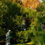 Villa Verdi - statua in giardino