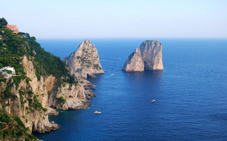 Campania - Capri, la costa e i faraglioni