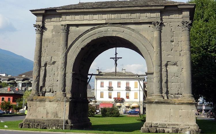 Valle D'Aosta - Arco Augusto, Aosta