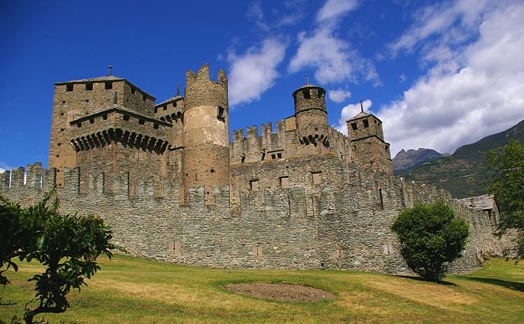 Valle D'Aosta - Castello di Fenis