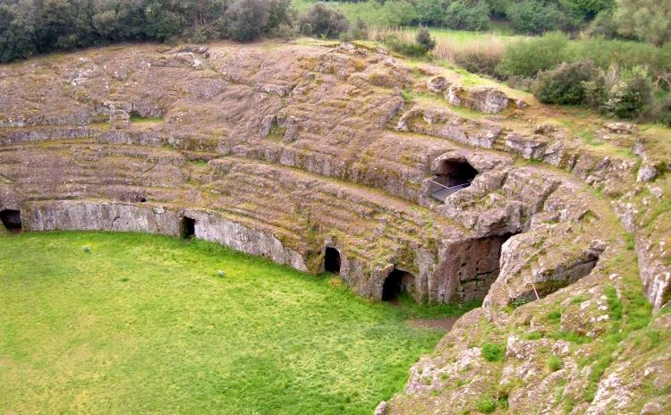 Lazio - Anfiteatro di Sutri