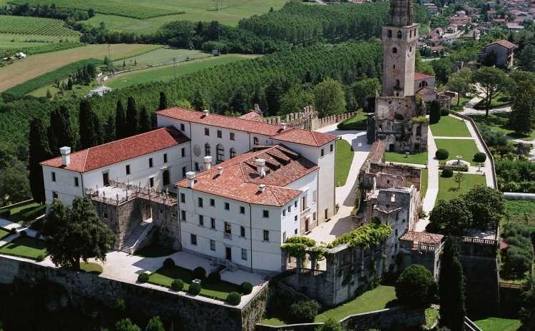Veneto - Castello San Salvatore - TV