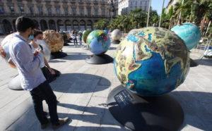 100 Globi in Piazza Duomo - Lombardia